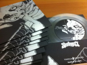 Clear Color Vinyl (Sumber : @aparatmati)